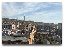 отель Ibis Yerevan Centre: Вид на город
