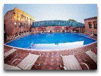 отель Ichan Qala: Открытый бассейн