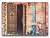 отель Ichan Qala: Вход в виллу Хива