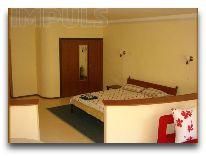отель Impuls hotel: Трехместный номер
