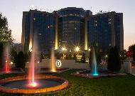 отель Inter Continental Almaty: Отель вечером