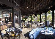 отель Intercontinental Danang Resort: Бар на пляже
