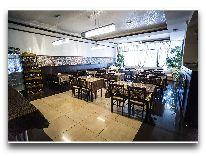 отель Iris: Кафе