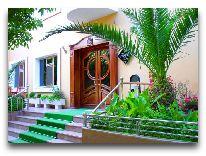 отель Irshad Hotel: Вход в отель