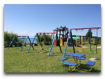 отель Karven Issuk Kul: Детская площадка