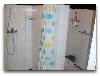 отель Isuz Hotel: Ванная в номере