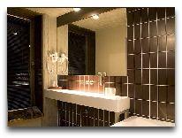 отель Johan: Ванная двухместного номера