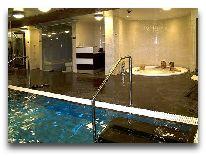 отель Johan: Джакузи в бассейне