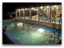 отель Johan: Открытый бассейн
