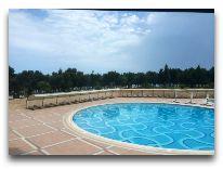 отель Bilgah Beach Hotel: Бассейн на территроии