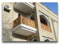 отель Kabir: Вход в отель