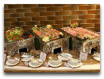 отель Кайзерхоф: Завтрак шведский стол