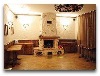 отель Kakitis Guest House: Каминный зал