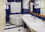 отель Kazzhol – Астана: Ванная в бизнес люксе