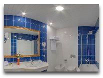 отель Kazzhol-Астана: Ванна в люксе