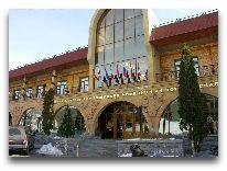 отель Kecharis Hotel