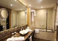 отель Hotel Badamdar ( бывший Kempinski Hotel): Ванная