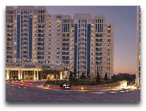 отель Badamdar Hotel: Вход в отель