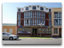 отель Khan: Фасад отеля