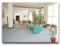 отель Khorezm Palace: Холл второго этажа