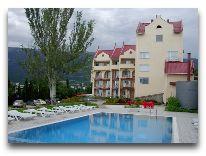 отель Крымский: Бассейн