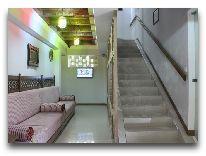 отель Kukaldosh: Лестница в отеле