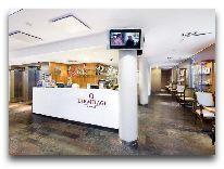 отель L Ermitage: Лобби бар
