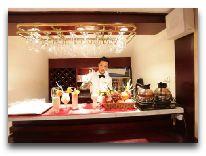 отель La Belle Vie Hotel: Бар
