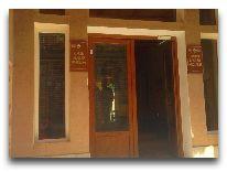отель Lyabai Hauz: Вход в отель
