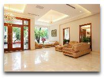 отель Lan VienHanoi: Холл отеля