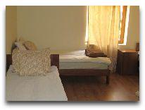 отель Гостевой дом Lasharai: Номер Tripl