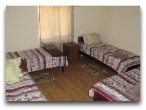 отель Гостевой дом Lasharai: Номер на 4-х человек