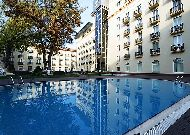 отель Lotte City HotelTashkent Palace: Бассейн отеля