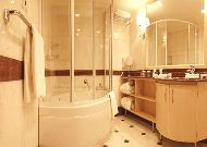 отель Leogrand Hotel & Convention Centre: Ванна президентского номера