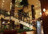 отель Leogrand Hotel & Convention Centre: Холл