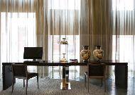 отель London: Компьютер в холле