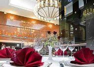 отель London: Кафе в отеле