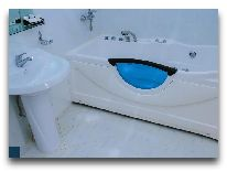 отель Lotus: Ванная комната