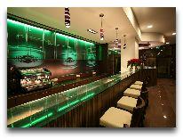 отель Magnus: Ресторан