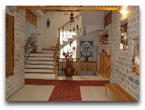 отель Malika Bukhara: Холл отеля