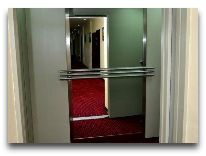 отель Malika Diyora: Лифт отеля