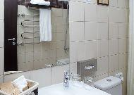 отель Business&Entertaiment centre Margis: Ванная в номере бизнес класса