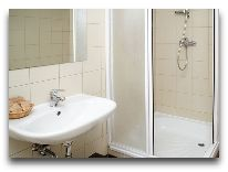 отель Business&Entertaiment centre Margis: Ванная в стандартном номере