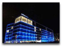 отель Marine Hotel: Отель вечером