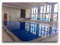 отель JW Marriott Absheron Baku: Бассейн отеля