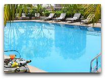 отель Melia Hanoi Hotel: Бассейн