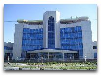 отель Meredian: Фасад