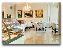 отель Meriton Grand Conference & SPA Hotel: Кафе Mademoiselle