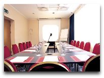 отель Meriton Grand Conference & SPA Hotel: Конференц-зал