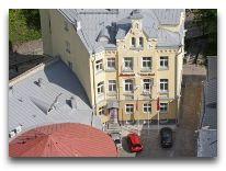отель Meriton Old Town: Фасад
